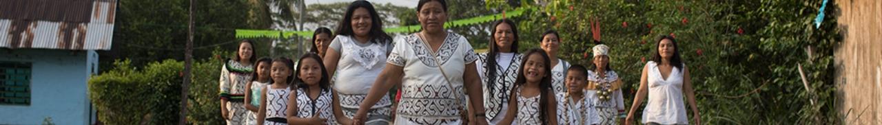 Mujeres que tejen su historia
